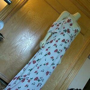Romeo & Juliet Couture Dresses - Sexy drop shoulder Romeo + Juliet M maxi dress nwt